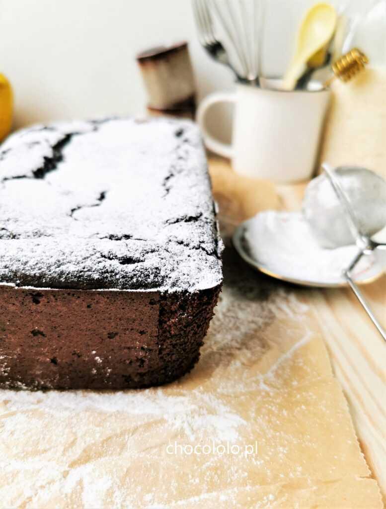 bezglutenowe ciasto czekoladowe z gruszkami 1