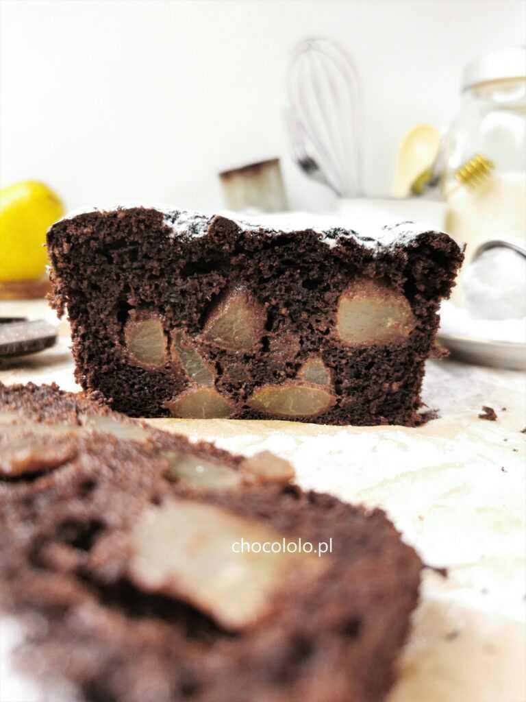 bezglutenowe ciasto czekoladowe z gruszkami 1a