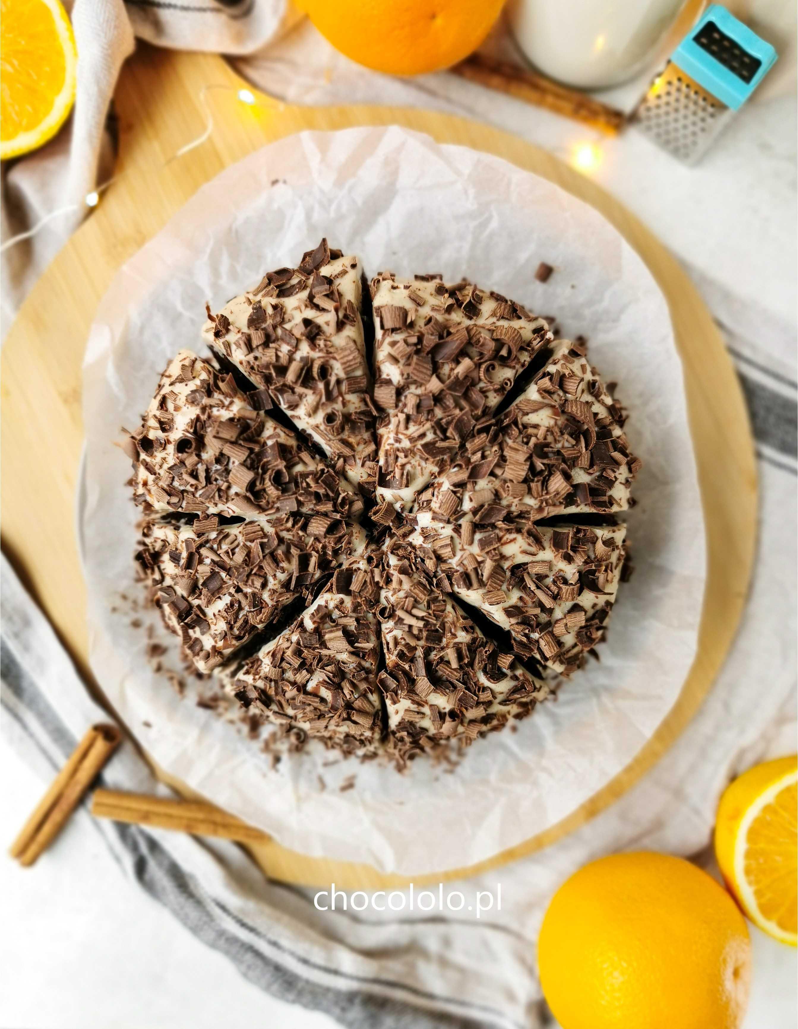 czekoladowo-pomarańczowe ciasto z kremem cynamonowym 1