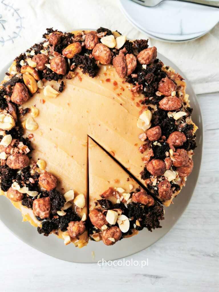 tort czekoladowo bananowy z kremem orzechowym 1aaa