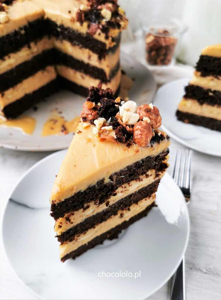 tort czekoladowo bananowy z kremem orzechowym 2