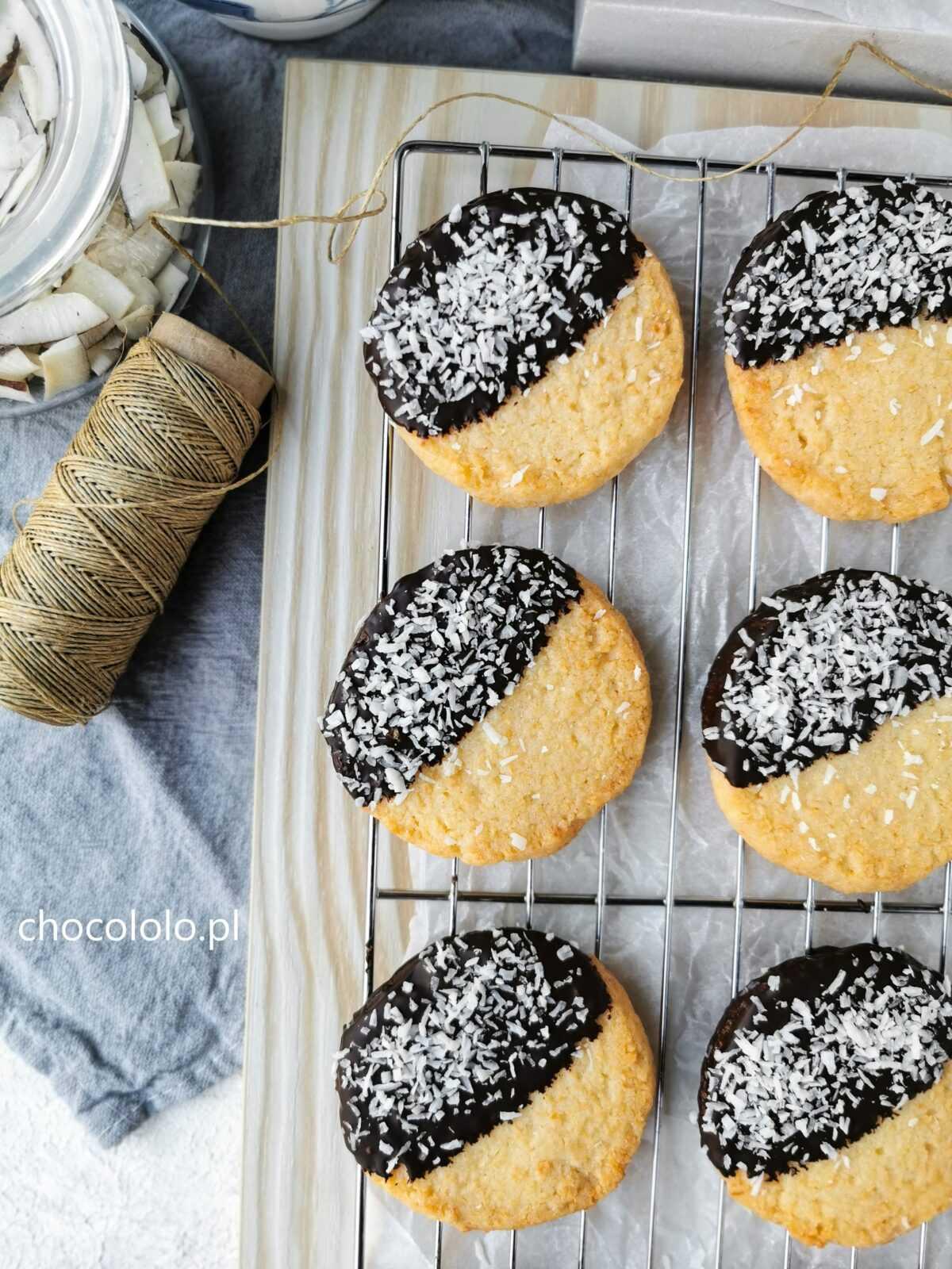 maślane ciasteczka kokosowe z czekoladą 1