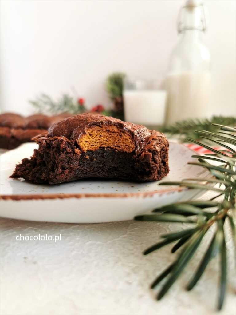 korzenne brownie z pierniczkami