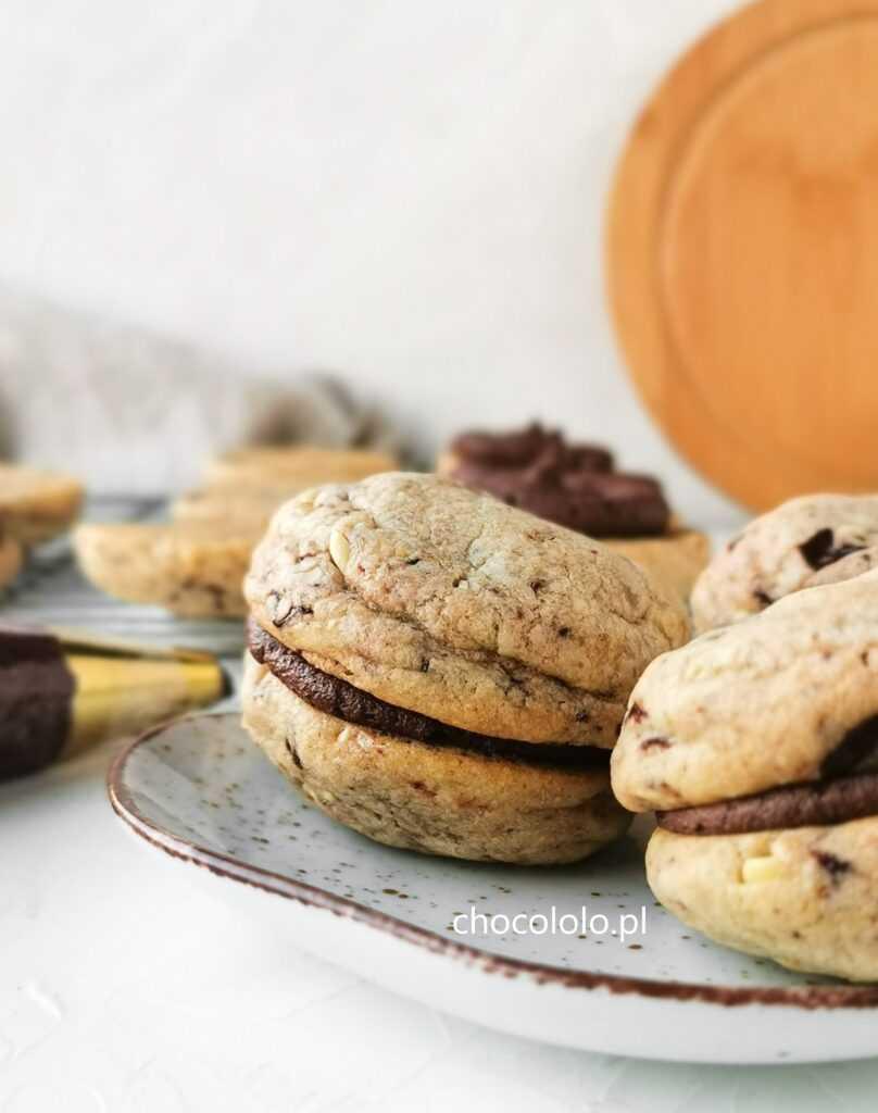 ciasteczka z czekoladą i kremem kakaowym1