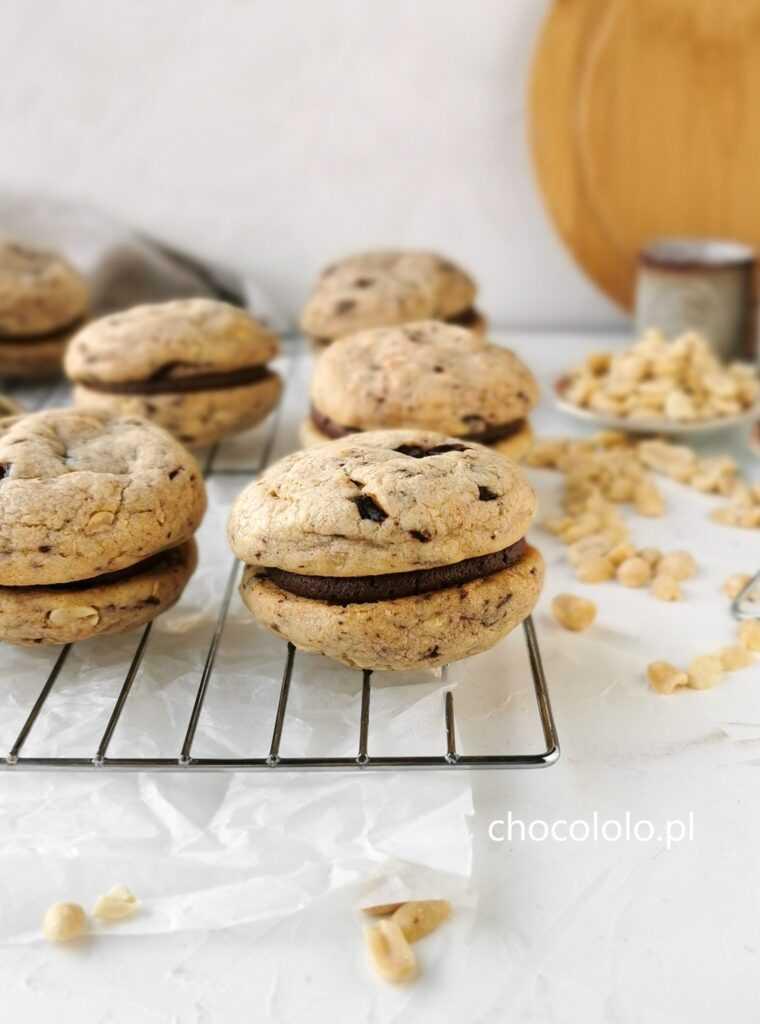 ciasteczka z czekoladą i kremem kakaowym 1aa