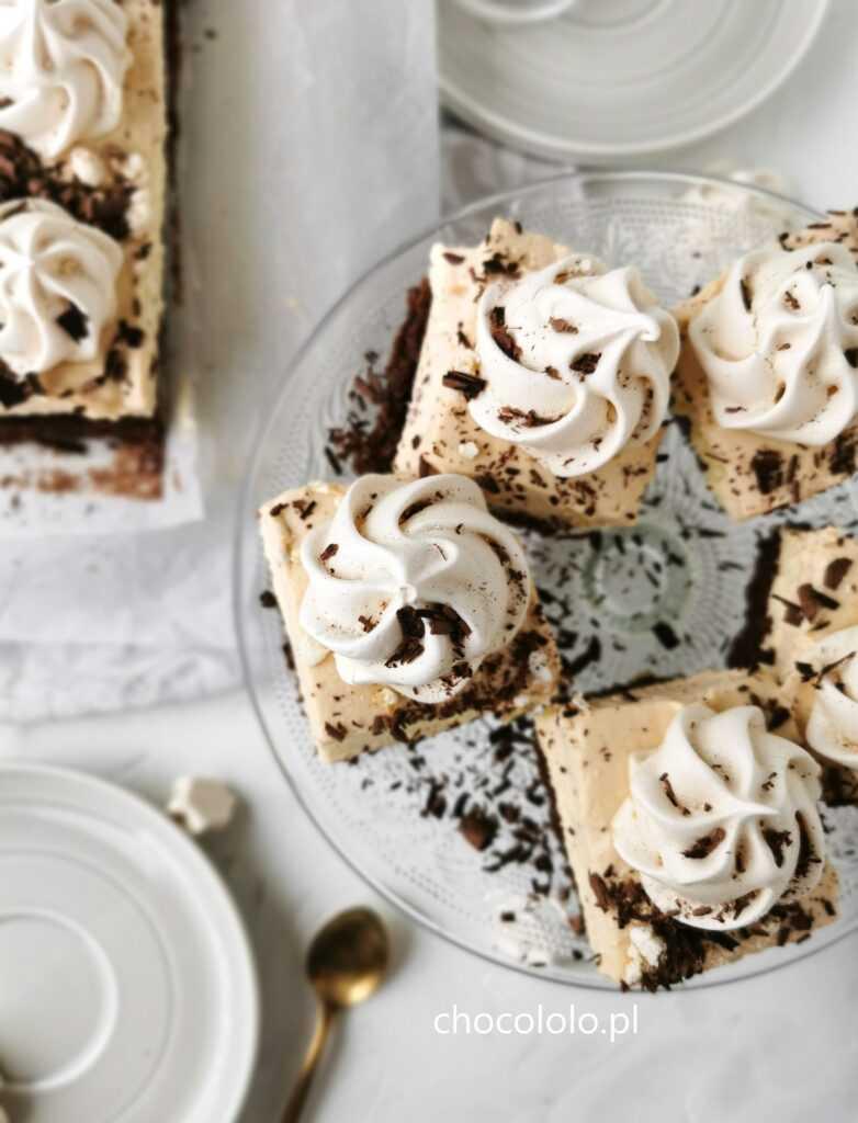 czekoladowe ciasto toffi z bezami 1
