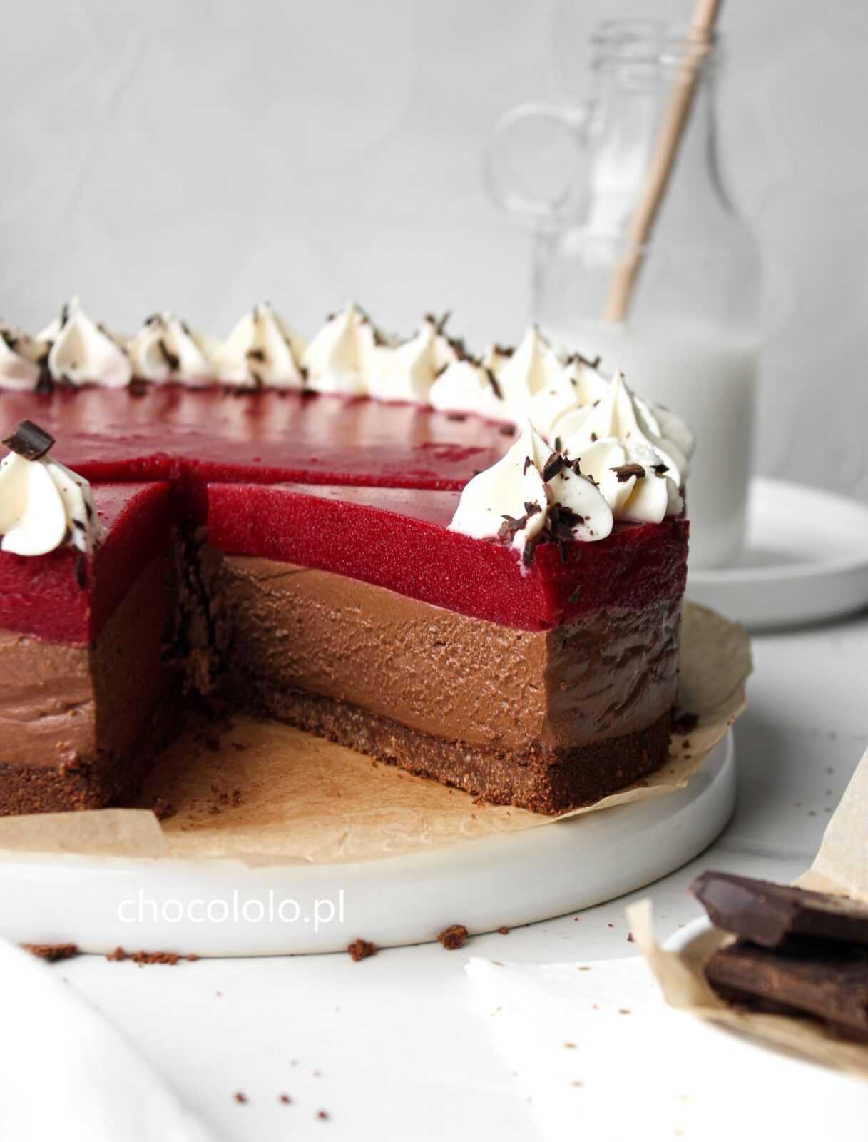 sernik czekoladowy z musem wiśniowym 2