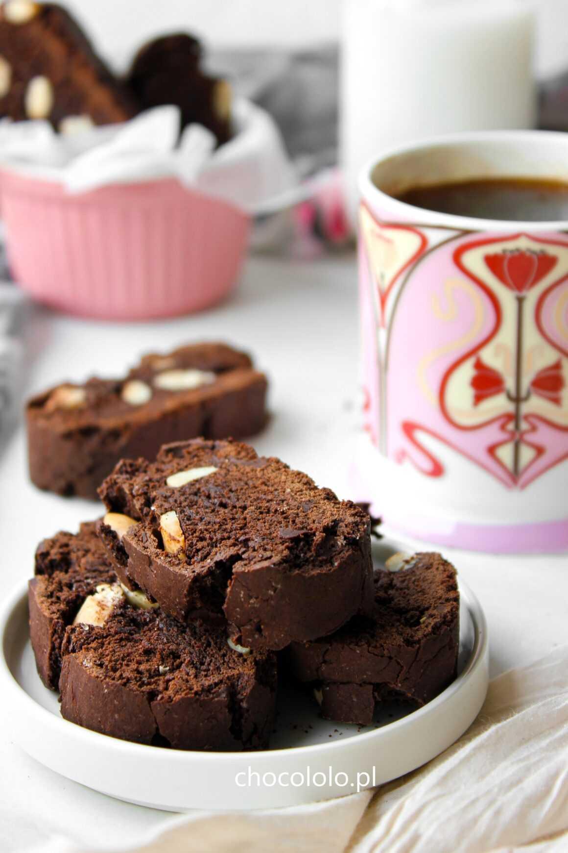 Ciasteczka Cantucci z czekoladą i migdałami
