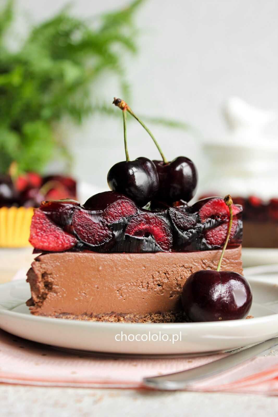 sernik czekoladowy z czereśniami