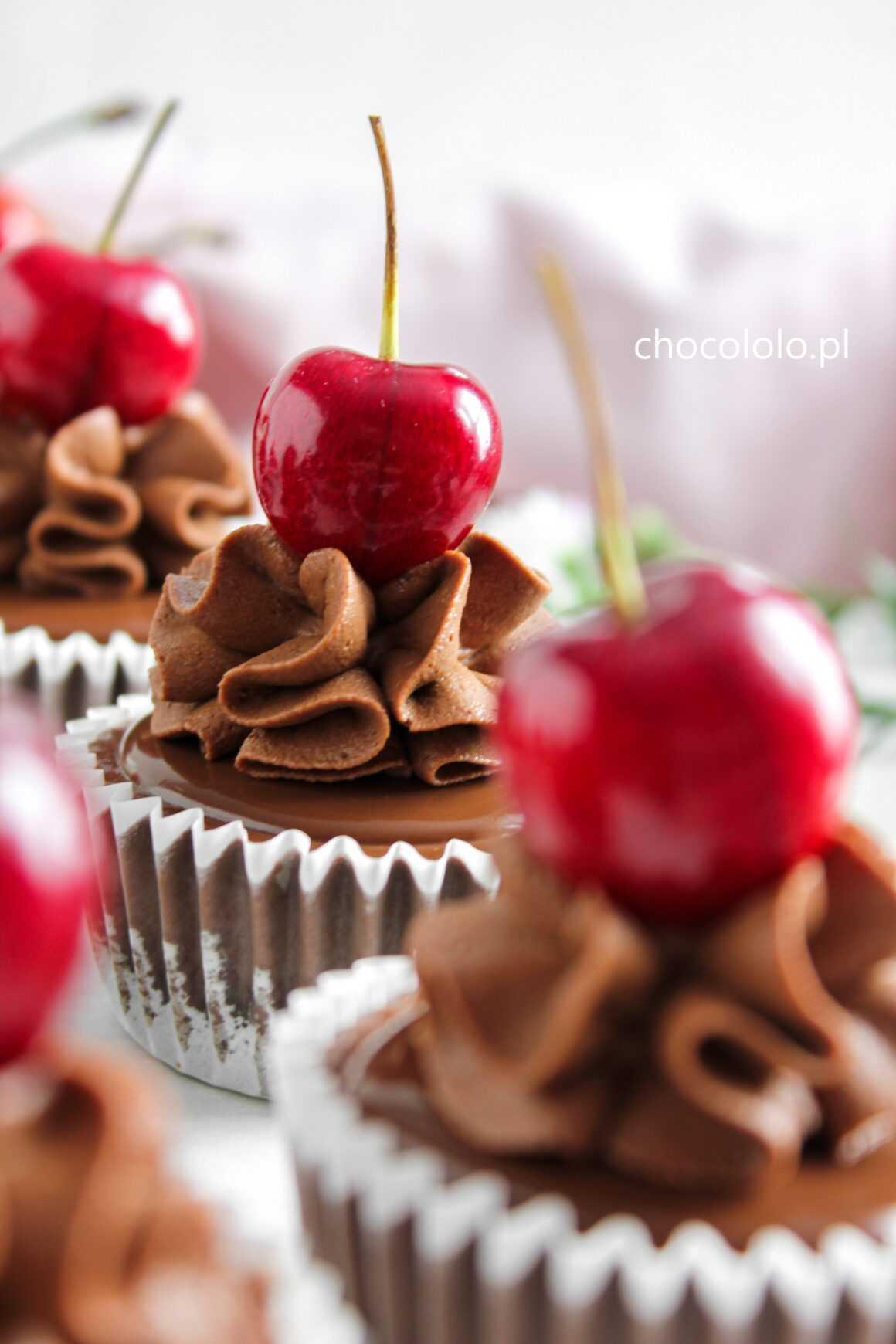 mini serniczki potrójnie czekoladowe