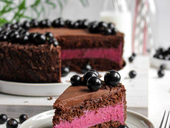 torcik czekoladowo-porzeczkowy