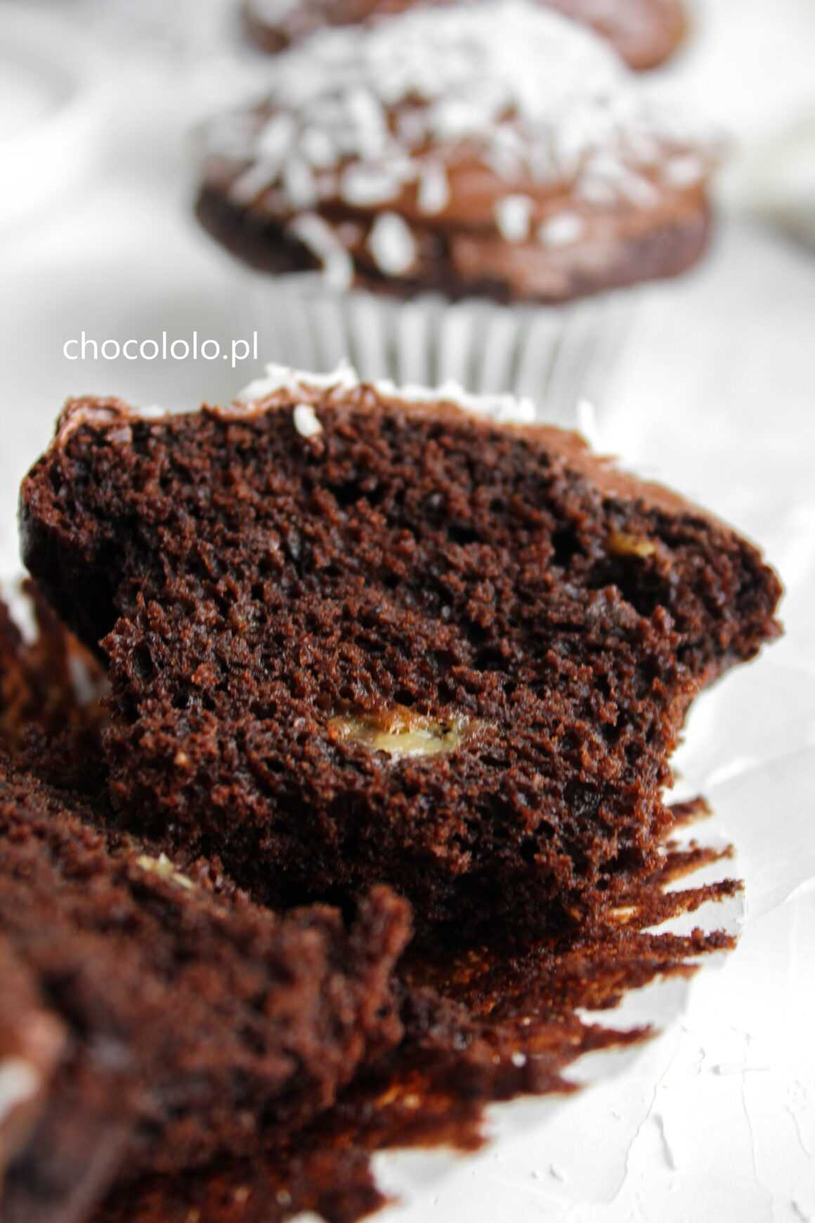 czekoladowe muffinki bananowo-kokosowe
