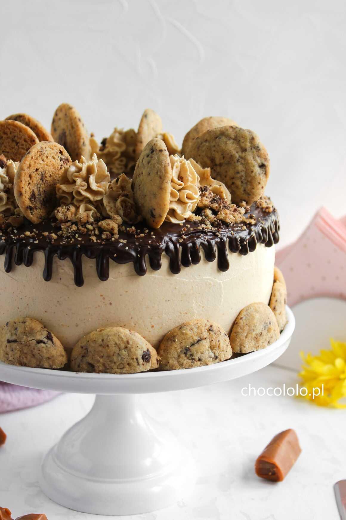 tort czekoladowo-karmelowo-ciasteczkowy